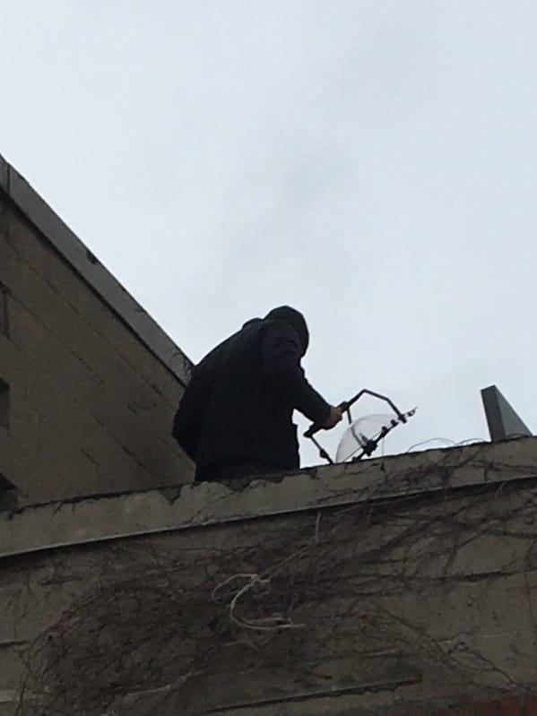 KLOVER MiK 16 parabolic microphone on Blacklist - behind the scenes (599x799)